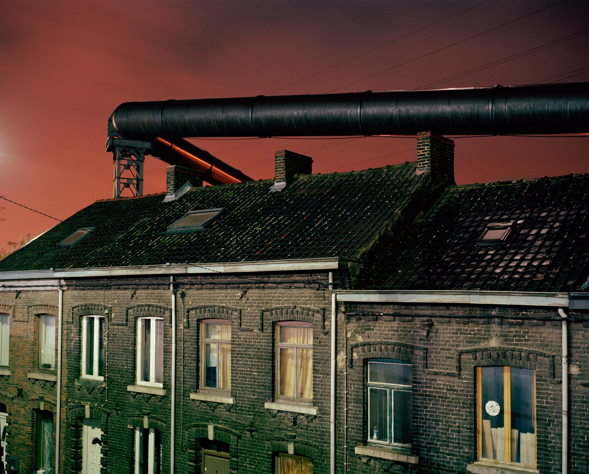 Giovanni Troilo, Italy, Luz Photo. Charleroi: La Ville Noir