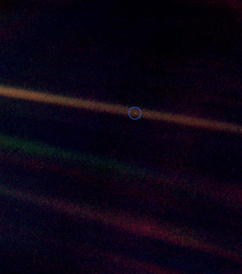 Pale Blue Dot, Voyager 1, magnified