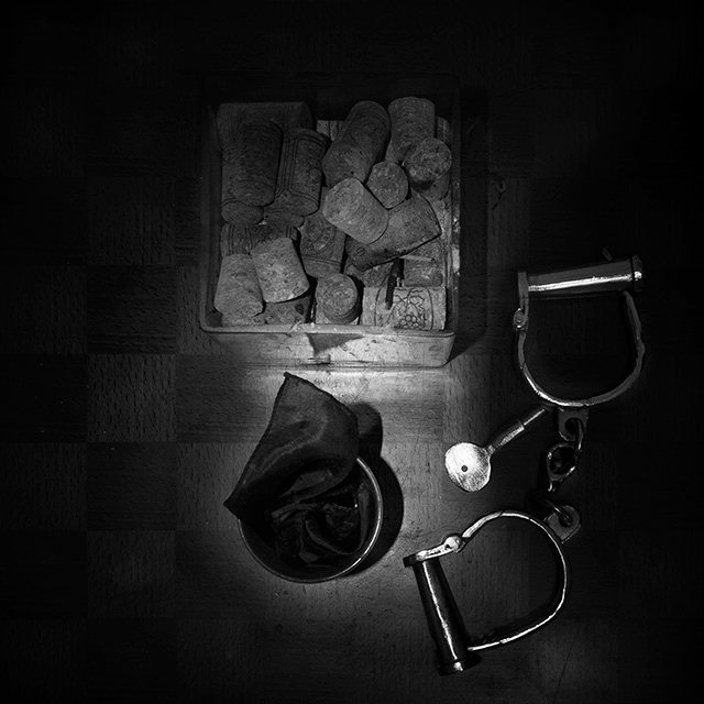 """Magic Box"", Alina Oswald, Daniel Bauer, magician, black and white photography, black and white"